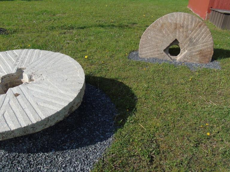 millstones2_ul
